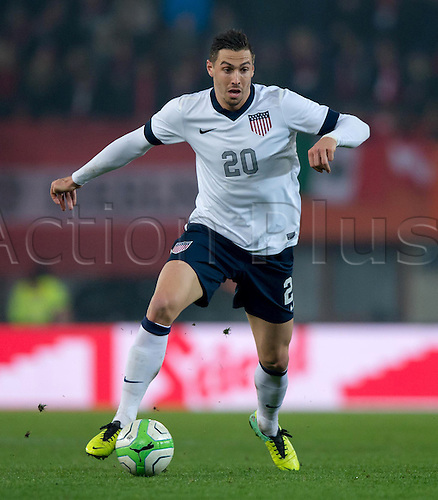 19.11.2013. Vienna, Austria.  USA's Geoff Cameron plays the ball during the international soccer friendly match between Austria and USA at Ernst-Happel Stadium in Vienna, Austria, 19 November 2013.