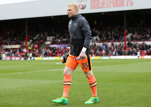 April 14th 2017,  Brent, London, England; Skybet Championship football, Brentford versus Derby County; Goalkeeper Jonathan Mitchell of Derby County walks towards the dugout before kick off