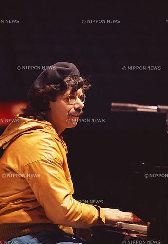 Chick Corea, Feb, 1978 : Chick Corea performing. Tokyo, Japan.