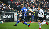 Guido Burgstaller (FC Schalke 04) zieht ab - 16.12.2017: Eintracht Frankfurt vs. FC Schalke 04, Commerzbank Arena, 17. Spieltag Bundesliga