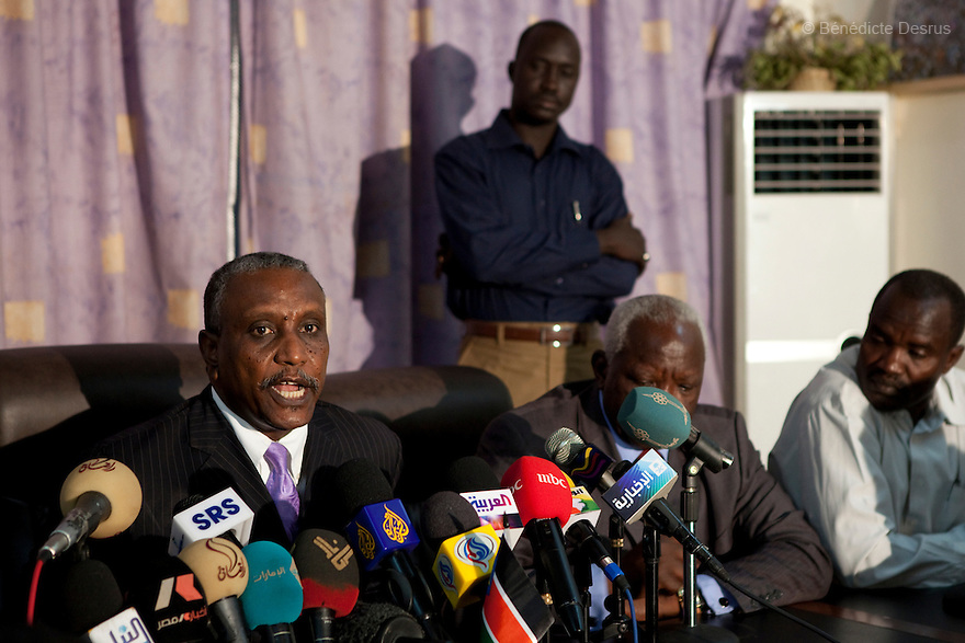 26 april 2010 - Karthoum, Sudan - Yasser Arman, the SPLM candidate for the national presidency, gives a speech to the press just after the final results of presidential elections was announced. Arman captured 21.7 percent of the vote. Bashir's victory was aided by the withdrawal of his two most important challengers, former Prime Minister Sadig al- Mahdi, who heads the Umma party, and Yasser Arman, the SPLM candidate for the national presidency. The ballot papers were printed before their boycott decision. Sudan's president Omar al-Bashir won another term in office Monday, according to election officials, with a comfortable majority (68 percent of the vote ) in elections marred by boycotts and fraud allegations, becoming the first leader to be elected while facing an international arrest warrant for alleged crimes he orchestrated in the western region of Darfur. The elections take place as Sudan heads toward a referendum in eight months that could lead South Sudan to split off and become Africa's newest nation. Photo credit: Benedicte Desrus