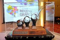 """SAO PAULO, SP, 28 DE JUNHO 2012 – HOMENAGEM MICHEL TEMER - Vice-presidente da Republica Michel Temer, e homenageado com o  premio """"Personalidade do Ano"""" atraves da Associacao Brasileira da Industria Grafica no WTC do Sheraton Hotel na região sul da capital paulista, nesta quinta-feira, 28. (FOTO: THAIS RIBEIRO / BRAZIL PHOTO PRESS)."""