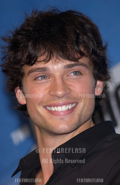 Smallville star TOM WELLING at the 2002 Teen Choice Awards at Universal Studios, Hollywood..04AUG2002.  © Paul Smith/Featureflash