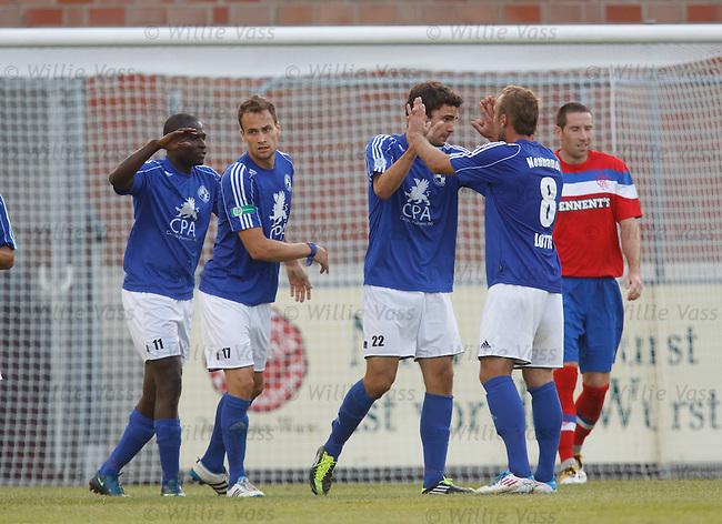 Lotte's Simon Engelmann celebrates his goal
