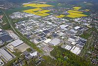 Gewerbegebiet Reinbek: EUROPA, DEUTSCHLAND, SCHLESWIG HOLSTEIN, (GERMANY), 11.05.2017: Das Gewerbegebiet Reinbek zeichnet sich durch eine vielfältige, vorwiegend klein- und mittelständische Wirtschaftsstruktur aus. Branchenschwerpunkte sind Druck, Papier, Pharma,  Medizin, Maschinenbau,  Anlagenbau, Großhandel, Logistik und unternehmensbezogene Dienstleistungen.<br /> Zahlreiche bedeutende Firmen haben hier ihren Sitz, wie z.B. Rowohlt-Verlag, Michaelis-Papier, Almirall Hermal, Allergopharma, Nestlé-Fürst-Bismarck-Quelle, Tetra Pak, Alfa Laval, Amandus Kahl, Gossler, Lutz, Grossmann, Wollenhaupt, Peek & Cloppenburg und Dello.