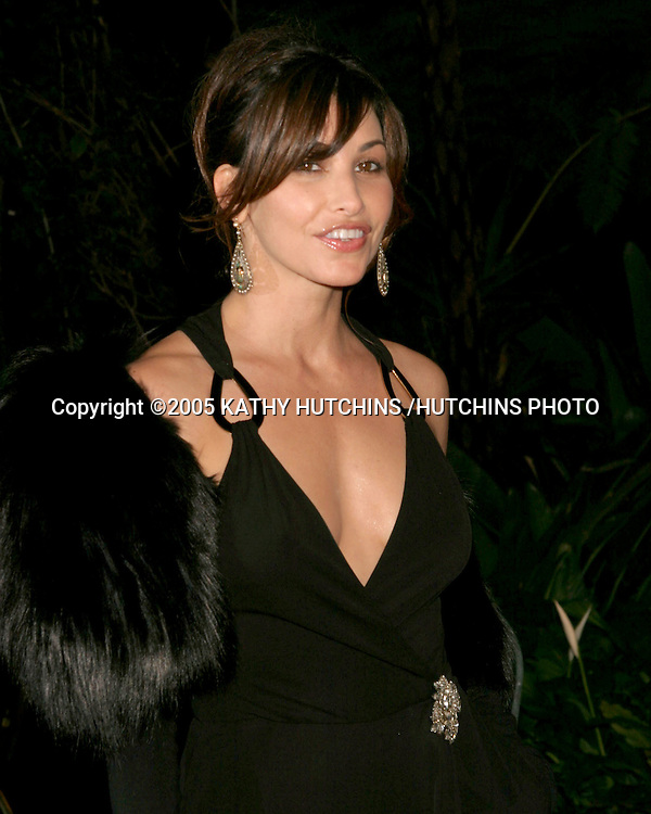 GINA GERSHON.CLIVE DAVIS ANNUAL PRE-GRAMMY PARTY.BEVERLY HILLS HOTEL.BEVERLY HILLS, CA.FEBRUARY 12 , 2005.©2005 KATHY HUTCHINS /HUTCHINS PHOTO.