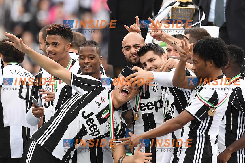 Festeggiamenti vittoria della Juventus celebration consegna della coppa, delivery of the cup, selfie<br /> Torino 14-05-2016 Stadio Olimpico Football Calcio Serie A 2015/2016 Juventus-Sampdoria. Foto Matteo Gribaudi / Image Sport / Insidefoto