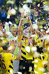 13.08.2014, Signal Iduna Park , Dortmund, GER, DFL-Supercup, Borussia Dortmund vs. FC Bayern Muenchen / M&uuml;nchen, im Bild: Oliver Kirch #21 (Borussia Dortmund) haelt den DFL-Supercup in die Luft. Gestik, Spass, Freude, Jubel, Gut gelaunt, Begeistert Hochformat<br /> <br /> Foto &copy; nordphoto / Grimme