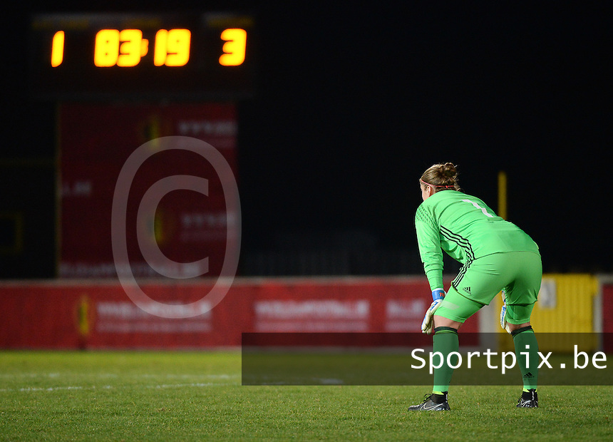 20161128 - TUBIZE ,  BELGIUM : Belgian Justien Odeurs overlooking the game at the score of 1-3 pictured during the female soccer game between the Belgian Red Flames and Denmark , a friendly game before the European Championship in The Netherlands 2017  , Monday 28 th November 2016 at Stade Leburton in Tubize , Belgium. PHOTO SPORTPIX.BE | DIRK VUYLSTEKE