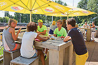 Netherlands, Rotterdam August 07, 2015, Tennis,  National Junior Championships, NJK, TV Victoria, kids enjoying themselves on the terras<br /> Photo: Tennisimages/Henk Koster