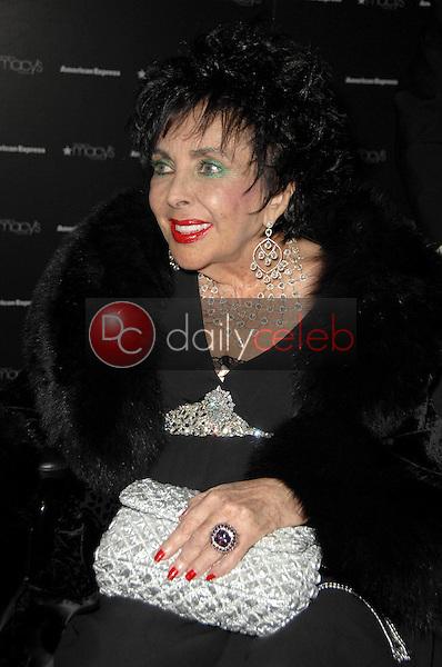 Elizabeth Taylor<br />at the Macy's Passport 2008 Gala. Barker Hanger, Santa Monica, CA. 09-25-08<br />Dave Edwards/DailyCeleb.com 818-249-4998