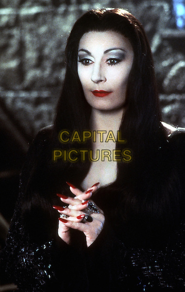 Addams Family Values (1993)<br /> Anjelica Huston <br /> *Filmstill - Editorial Use Only*<br /> CAP/KFS<br /> Image supplied by Capital Pictures
