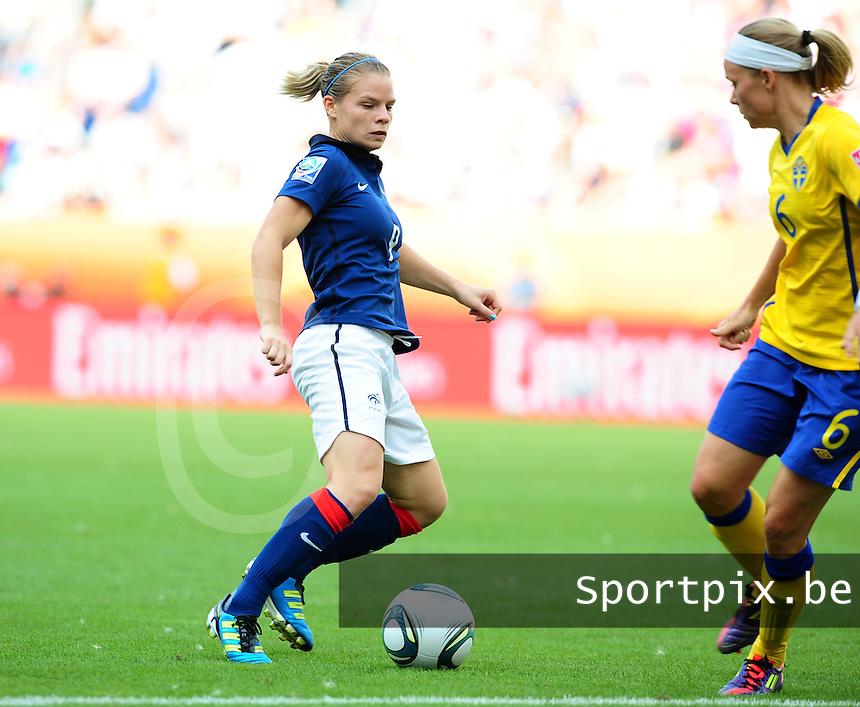 Fifa Women's World Cup Germany 2011 : Zweden - France Frankrijk at Sinsheim World Cup stadium : Eugenie Le Sommer tegenover Sara Thunebro.foto DAVID CATRY / Vrouwenteam.be