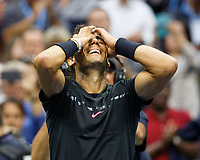 RAFAEL NADAL (ESP) jubelt nach seinem Sieg,Jubel,Freude,Emotion, Final Tennis - US Open 2017 - Grand Slam ITF / ATP Tennis Herren / WTA Tennis Damen - Billie Jean King Tennis Center - New York - New York - USA - 10 September 2017. *** Rafael Nadal ESP cheering After his Victory cheering happiness Emotion Final Tennis U.S. Open 2017 Grand Slam ITF ATP WTA Billie Jean King Tennis Center New York New York USA 10 September 2017 Copyright: xJuergenxHasenkopfx  <br /> Foto Imago/Insidefoto