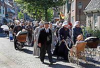 Schagen-   Tijdens de jaarlijkse  Westfriese Folkloredagen dragen veel inwoners klederdracht.  Optocht