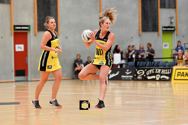 Pulse&rsquo; Maddy Gordon in action during the Netball Pre Season Tournament - Pulse v Stars at Ngā Purapura, Otaki, New Zealand on Saturday 9 February  2019. <br />