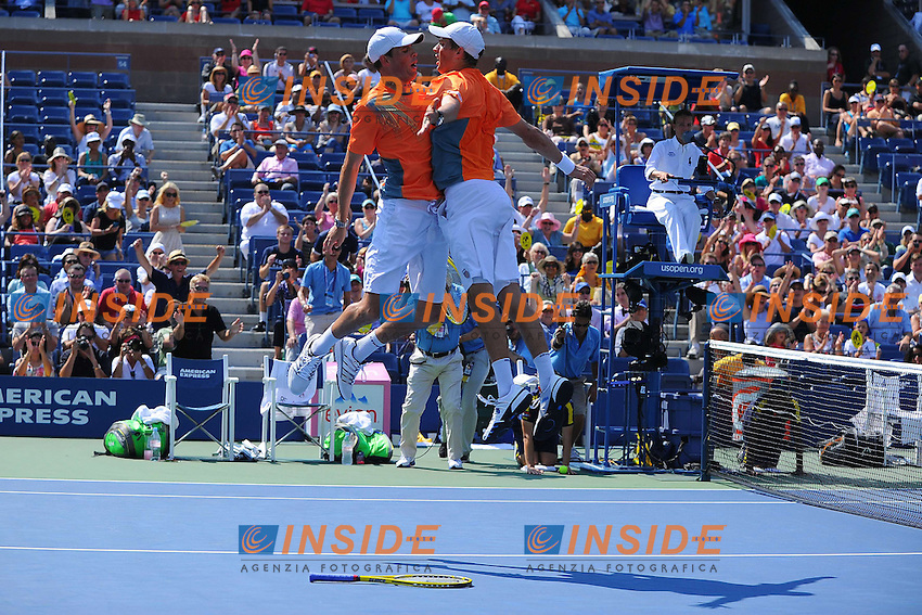 Bob Bryan (USA).Mike Bryan (USA) .Flushing Meadows 7/9/2012 .Tennis Us Open Grande Slam.Foto Insidefoto / Virginie Bouyer / Panoramic.ITALY ONLY