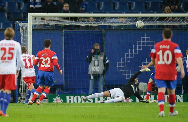 Ivo Ilicevic scores past Neil Alexander