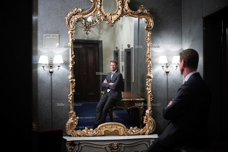 Oslo, Norge, 22.10.2014. NHH-økonom Aksel Mjøs fotografert på Hotel Bristol i Oslo. Foto: Christopher Olssøn.