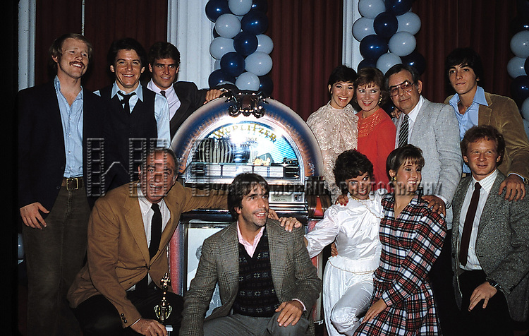 "Ron Howard, Anson Williams, Ted McGinley, Henry Winkler, Marion Ross, Tom Bosley, Erin Moran, Scott Baio, Cathy Silvers and Donny Most with the cast of ""HAPPY DAYS"" <br />