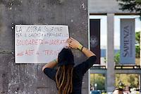 Roma 30 Ottobre 2014<br /> Protesta degli  studenti dei collettivi della Universit&agrave; Sapienza che contestano nel giorno in cui, nell'Aula Magna del Rettorato, avviene il passaggio di consegne tra il  rettore uscente Luigi Frati e il nuovo rettore Eugenio Gaudio, perch&egrave; cambia il rettore ma non gli interessi, l'universit&agrave; non &egrave; un'azienda. Nella foto:  un cartello di solidariet&agrave; con gli operai di Terni picchiati dalla polizia<br /> Rome October 30, 2014 <br /> Protest of the student movement of the Sapienza University who question the day when, in the Great Hall of the Rector, is the handover between the outgoing rector Luigi Frati and the new rector Eugene Gaudio, because it changes the rector but not the interest, the university is not a business. Pictured : a banner  of solidarity with the workers of Terni beaten by police