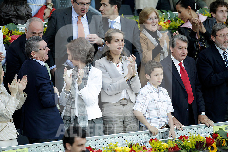 Queen Sofia of Spain, Prince Elena with her son Felipe Juan Froilan de Todos los Santos, Manolo Santana and the Mayor of  Madrid City Alberto Ruiz-Gallardon in the Tennis Madrid Open ATP Singles Final, May 16,2010..(Alfaqui/Cesar Cebolla)
