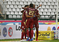 MANIZALES - COLOMBIA, 24-02-2019: Jugadores del Tolima celebran después de anotar el primer gol durante partido por la fecha 6 de la Liga Águila I 2019 entre Once Caldas y Deportes Tolima jugado en el estadio Palogrande de la ciudad de Manizalez. / Players of Tolima celebrate after scoring the dirs goal during match for the date 6 of the Liga Aguila I 2019 between Once Caldas and Deportes Tolima played at the Palogrande stadium in Manizales city. Photo: VizzorImage / Santiago Osorio / Cont