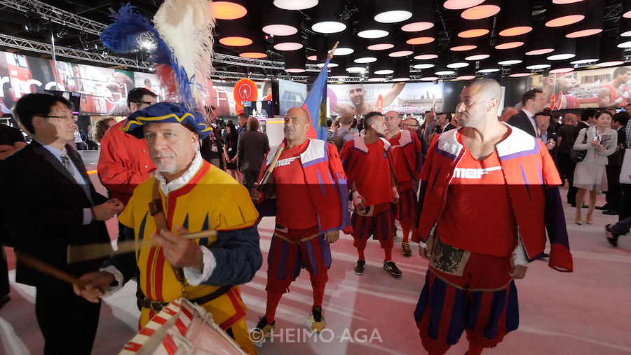 Photokina in Cologne ist the World's biggest bi-annual photo fair. Canon. Calcio Storico players shall help to sell more Canon cameras.