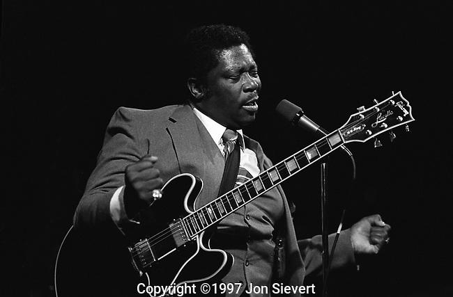 B.B. King, 4/1/82.Great American Music Hall, San Francisco.58-14-27A