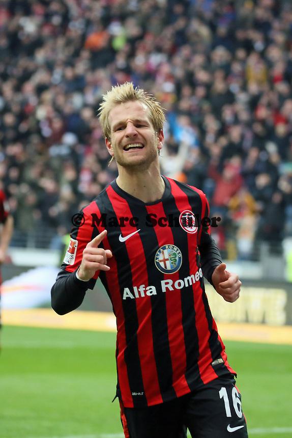 Stefan Aigner (Eintracht) erzielt das 3:0 und jubelt  - Eintracht Frankfurt vs. SC Paderborn 07, Commerzbank Arena