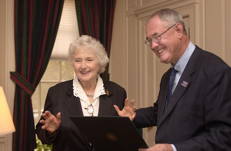 Helen Townsend Corns receiving belated degree from Pres. Glidden