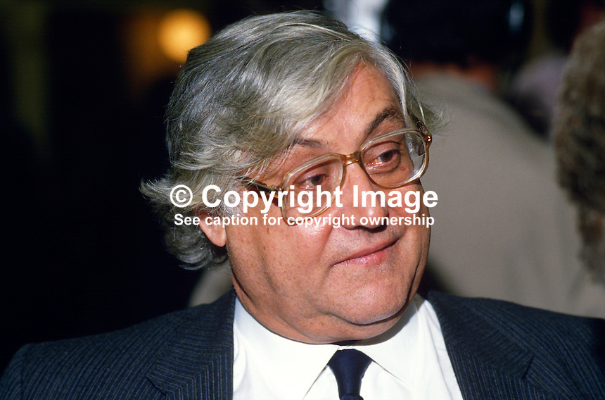 Donald Thompson, MP, Conservative Party, junior agriculture minister, UK, 19871017DT..Copyright Image from Victor Patterson, 54 Dorchester Park, Belfast, UK, BT9 6RJ..Tel: +44 28 9066 1296.Mob: +44 7802 353836.Voicemail +44 20 8816 7153.Skype: victorpattersonbelfast.Email: victorpatterson@me.com.Email: victorpatterson@ireland.com (back-up)..IMPORTANT: If you wish to use this image or any other of my images please go to www.victorpatterson.com and click on the Terms & Conditions. Then contact me by email or phone with the reference number(s) of the image(s) concerned.