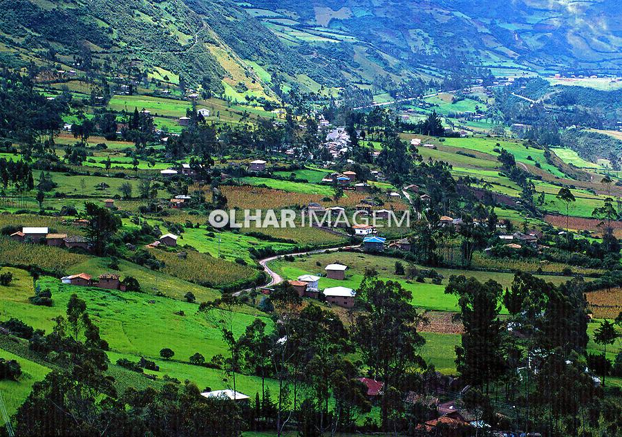 Agricultura na Cordilheira dos Andes, Equador. 1997. Foto de Juca Martins.