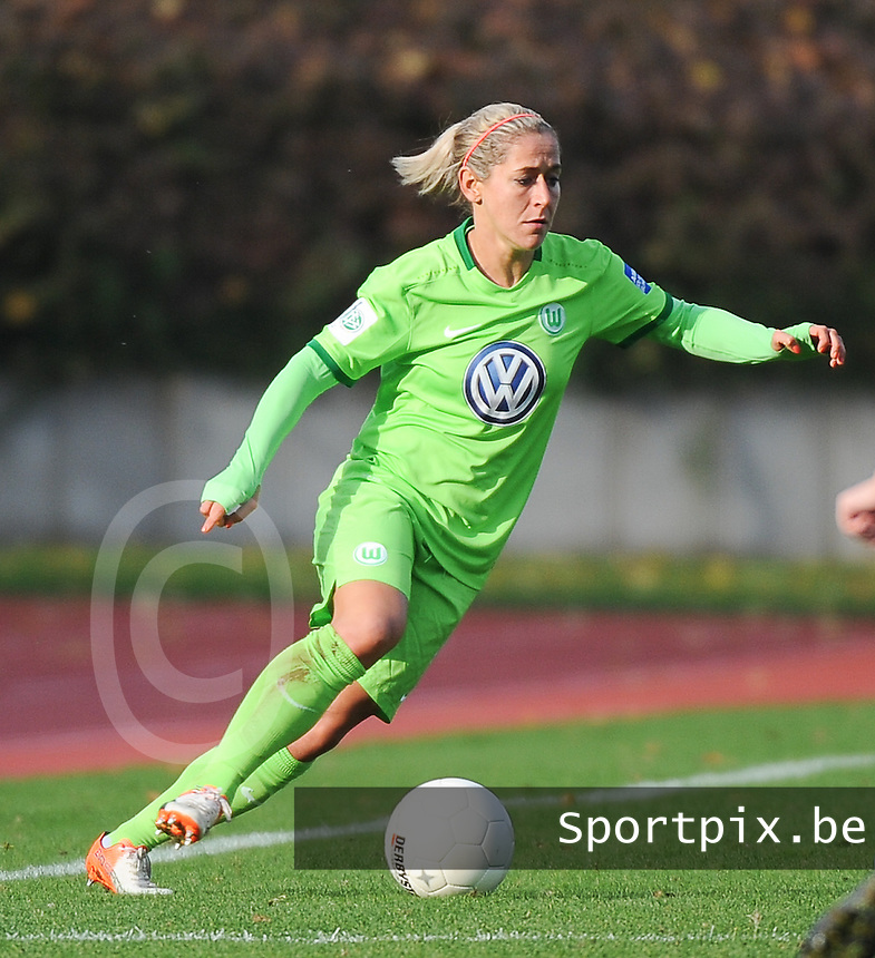 20161105 - MOENCHENGLADBACH , GERMANY : Wolfsburg's Anna Blasse pictured during an Allianz Frauen Bundesliga game between Borussia Mönchengladbach and Vfl Wolfsburg during the 7th spieltag - game for the 2016-2017 Allianz Frauen-Bundesliga season , Saturday 5 th November 2016 ,  PHOTO Dirk Vuylsteke | Sportpix.Be