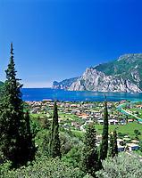 Italy, Trentino, Lake Garda, view at Torbole | Italien, Trentino, Gardasee, Blick auf Torbole am Nordufer