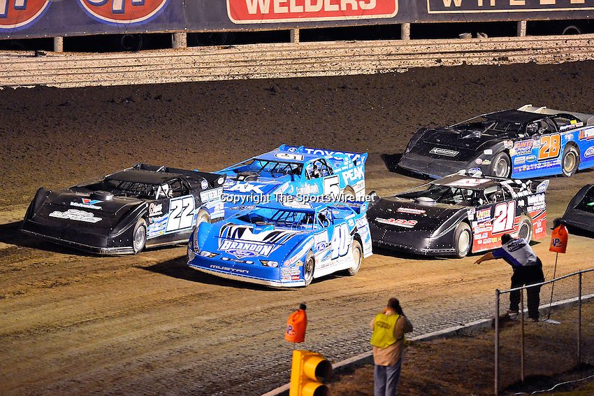 Feb 20, 2014; 7:36:35 PM;  Barberville, FL, USA;  World of Outlaws Late Model Series for 43rd Annual DIRTcar Nationals presented by Summit Racing Equipment at Volusia Speedway Park.  Mandatory Credit: (thesportswire.net)