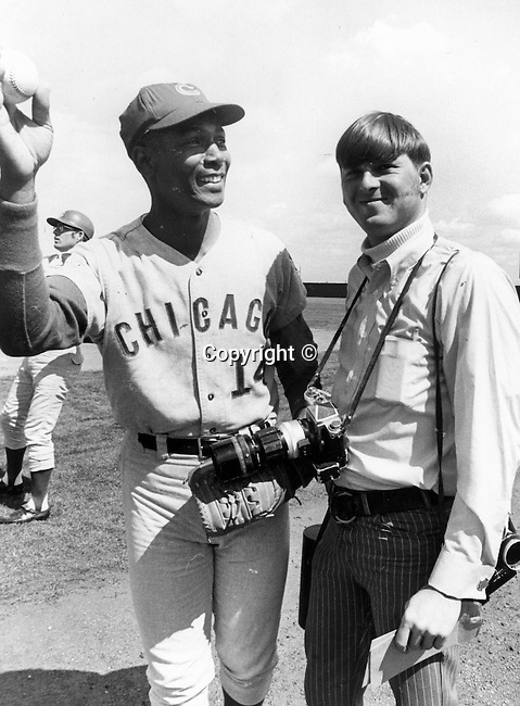"""Photographer Ron Bennett and Ernest """"Ernie"""" Banks Major League baseball player  with Chicago Cubs and elected to Baseball Hall of Fame, """"Mr. Cub,"""""""