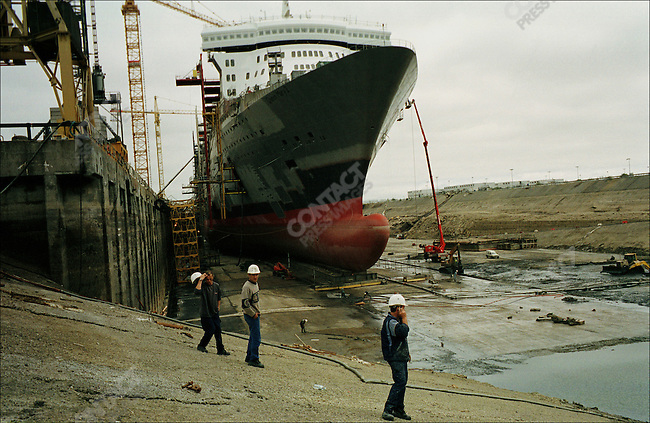 Construction of Queen Mary 2, Alstom Marine, Chantiers de l'Atlantique, Saint-Nazaire, France, June, 2003