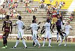 El Tolima goleó 4 - 1 al Deportivo Cali en el estadio Manuel Murillo Toro de Ibagué, en juego de la fecha 4 del Torneo Apertura Colombiano 2015.