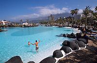 Badelandschaft Costa de Martianez in Puerto de la Cruz, erbaut von Cesar Manrique. Teneriffa, Kanarische Inseln, Spanien