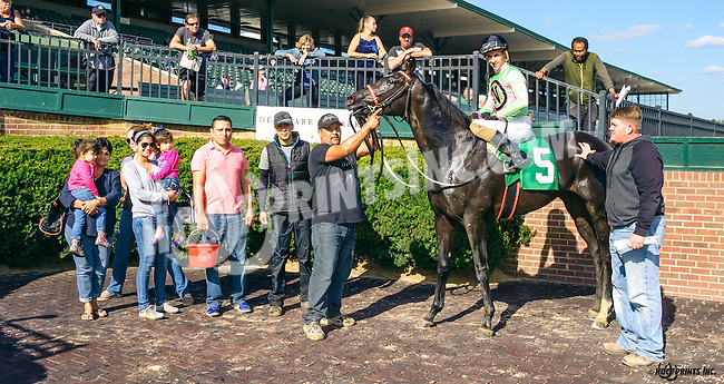 Northampton Kid winning at Delaware Park on 10/5/16