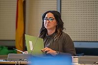"""Sitzung des Ausschuss fuer Gesundheit, Pflege und Gleichstellung des Berliner Abgeordnetenhaus am Montag den 4. Mai 2020.<br /> Auf der Tagesordnung standen die Themen """"Bewaeltigung der Corona-Krise"""" und """"Haeusliche Gewalt waehrend der Corona-Krise""""<br /> Im Bild: Gesundheitssenatorin Dilek Kalayci (SPD).<br /> 4.5.2020, Berlin<br /> Copyright: Christian-Ditsch.de<br /> [NUR FUER REDAKTIONELLE ZWECKE! Werbung nur auf Anfrage beim Fotografen. Inhaltsveraendernde Manipulation des Fotos nur nach ausdruecklicher Genehmigung des Fotografen. Vereinbarungen ueber Abtretung von Persoenlichkeitsrechten/Model Release der abgebildeten Person/Personen liegen nicht vor. NO MODEL RELEASE! Don't publish without copyright Christian-Ditsch.de, Veroeffentlichung nur mit Fotografennennung, sowie gegen Honorar, MwSt. und Beleg. Konto: I N G - D i B a, IBAN DE58500105175400192269, BIC INGDDEFFXXX, Kontakt: post@christian-ditsch.de<br /> Bei der Bearbeitung der Dateiinformationen darf die Urheberkennzeichnung in den EXIF- und  IPTC-Daten nicht entfernt werden, diese sind in digitalen Medien nach §95c UrhG rechtlich geschuetzt. Der Urhebervermerk wird gemaess §13 UrhG verlangt.]"""