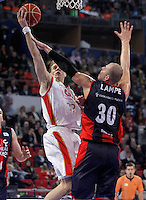 Caja Laboral Baskonia's Maciej Lampe (r) and CAI Zaragoza's Chad Toppert during Spanish Basketball King's Cup match.February 07,2013. (ALTERPHOTOS/Acero)