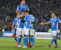 BOGOTA- COLOMBIA – 08-02-2017: Los jugadores de Millonarios de Colombia, celebran el gol anotado a Atletico Paranaense de Brasil, durante partido entre Millonarios de Colombia y Atletico Paranaense de Brasil, por la segunda fase, llave 1 de la Copa Conmebol Libertadores Bridgestone 2017,en el estadio Nemesio Camacho El Campin, de la ciudad de Bogota. / The players of Millonarios of Colombia, celebrate a scored goal to Atletico Paranaense of Brasil, during a match between Millonarios of Colombia and Atletico Paranaense of Brasil, for the second phase, key1, of the Conmebol Copa Libertadores Bridgestone 2017 at the Nemesio Camacho El Campin in Bogota city. VizzorImage / Luis Ramirez / Staff.
