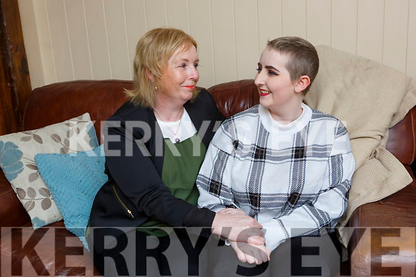 Cancer survivor Leah Lynch Glenflesk with her mother Breda