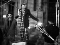 """""""Illuminiamo San Croce"""" è un flash mod organizzato il 4 dicembre 2015 a Lecce, davanti la Basilica di Santa Croce. L'illuminazione che rendeva visibile la bellezza della chiesa, a causa di un contenzioso tra la Provincia, proprietaria sia della Basilica che di palazzo dei Celestini, ed Enel Sole che gestisce la manutenzione dell'illuminazione è spenta da ben cinque mesi. Al flash mod, organizzato dal Quotidiano di Lecce insieme all'architetto leccese Andrea Novembre, hanno partecipato cittadini e commercianti che hanno a cuore il bene dei gioielli barocchi e si è cercato di spostare l'attenzione sul problema (comune ad altre 19 chiese di Lecce) e i cittadini hanno illuminato simbolicamente la facciata con decine di fiaccole."""