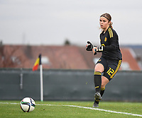 20181205 - TUBIZE , BELGIUM : Belgian Mirthe Claes pictured during the friendly female soccer match between Women under 15 teams of  Belgium and Gemany , in Tubize , Belgium . Wednesday 5 th December 2018 . PHOTO SPORTPIX.BE / DIRK VUYLSTEKE