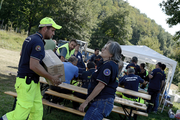 Scai, Amatrice, 26 Agosto 2016.<br /> Edifici crollati a Scai, frazione di Amatrice. <br /> L'Italia &egrave; stata colpita da un potente, terremoto di 6,2 magnitudo nella notte del 24 agosto, 2016, che ha ucciso almeno 290 persone .<br /> Collapsed buildings in Scai,earthquake in central Italy was struck by a powerful, 6.2-magnitude earthquake in the night of August 24, 2016, Which has killed at least 290 people and devastated hundreds of houses.