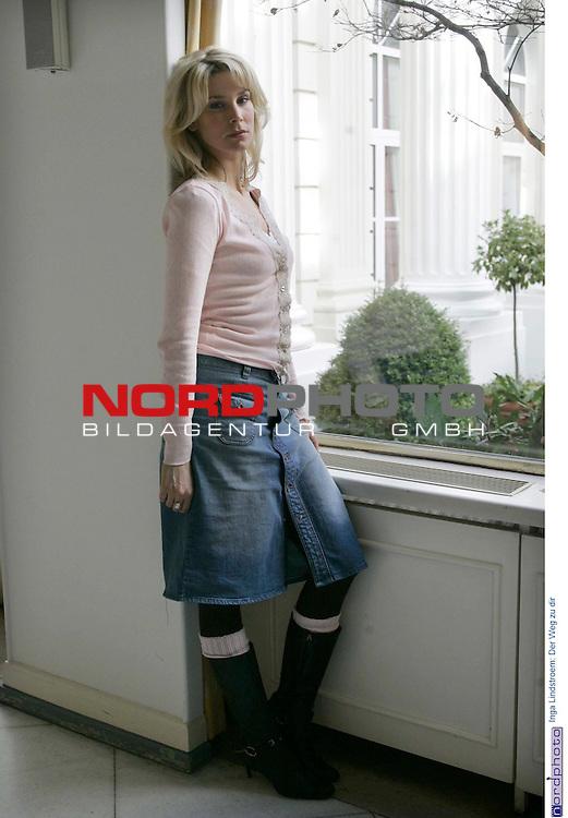 Pressetermin zu dem Fernsehfilm &quot;Inga Lindstroem: Der Weg zu dir&quot; am Sonntag, 1.Mai 2005 im ZDF<br /> Claudelle Deckert spielt als Paula mit.<br /> Foto &copy; nordphoto / Anja Heinemann<br />  *** Local Caption *** Foto ist honorarpflichtig! zzgl. gesetzl. MwSt.<br />  Belegexemplar erforderlich<br /> Adresse: nordphoto<br /> Georg-Reinke-Strasse 1<br /> 49377 Vechta