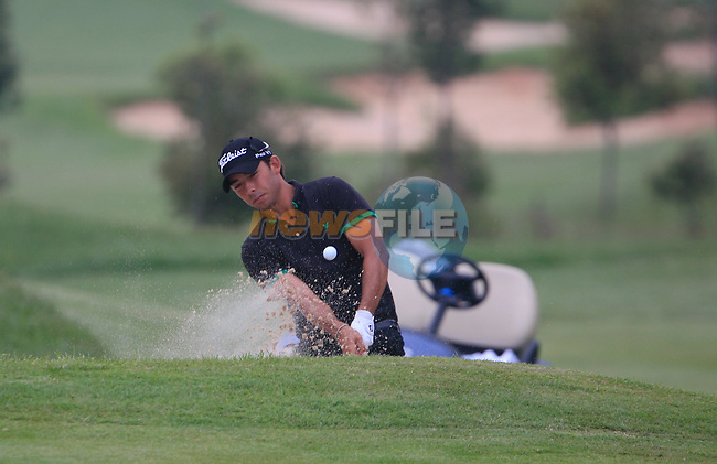 Pablo Larrazabal (ESP) chips from a bunker at the 18th green during Day 3 of the Open de Espana at Real Club De Golf El Prat, Terrasa, Barcelona, 7th May 2011. (Photo Eoin Clarke/Golffile 2011)